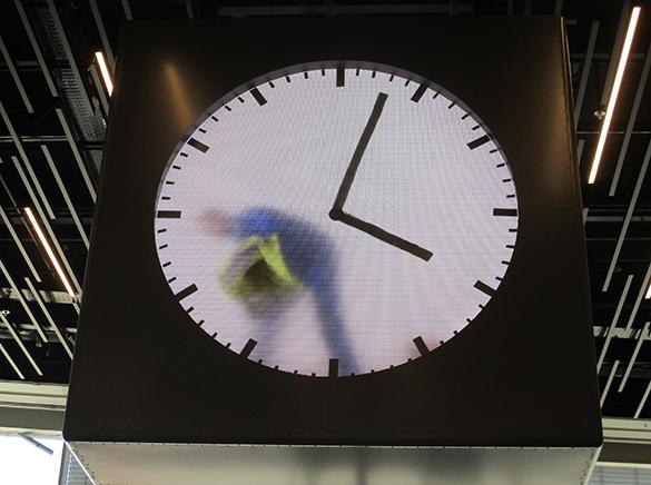 Schiphol Clock 3