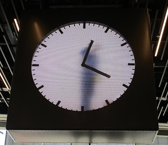 Schiphol Clock 4