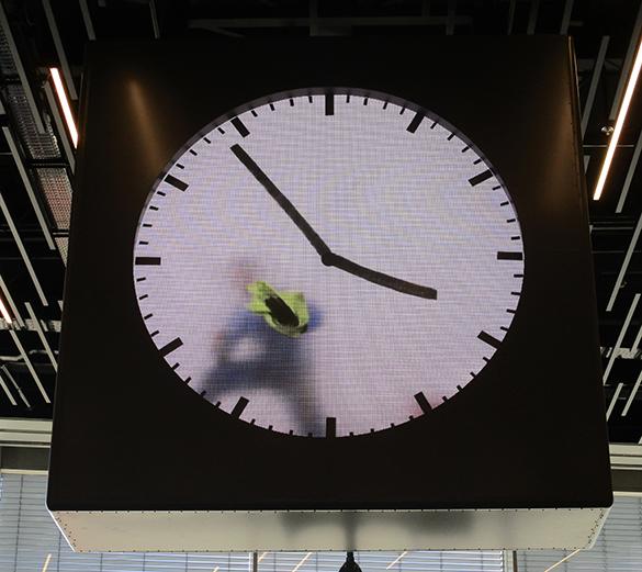 Schiphol Clock 1